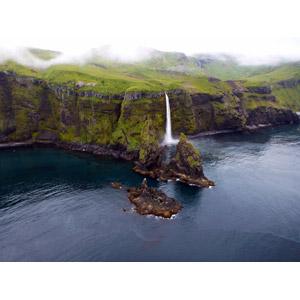 フリー写真, 風景, 自然, 海岸, 滝, 崖, アリューシャン列島, アメリカの風景, アラスカ州