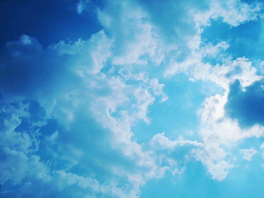 フリー写真 青空と雲の風景
