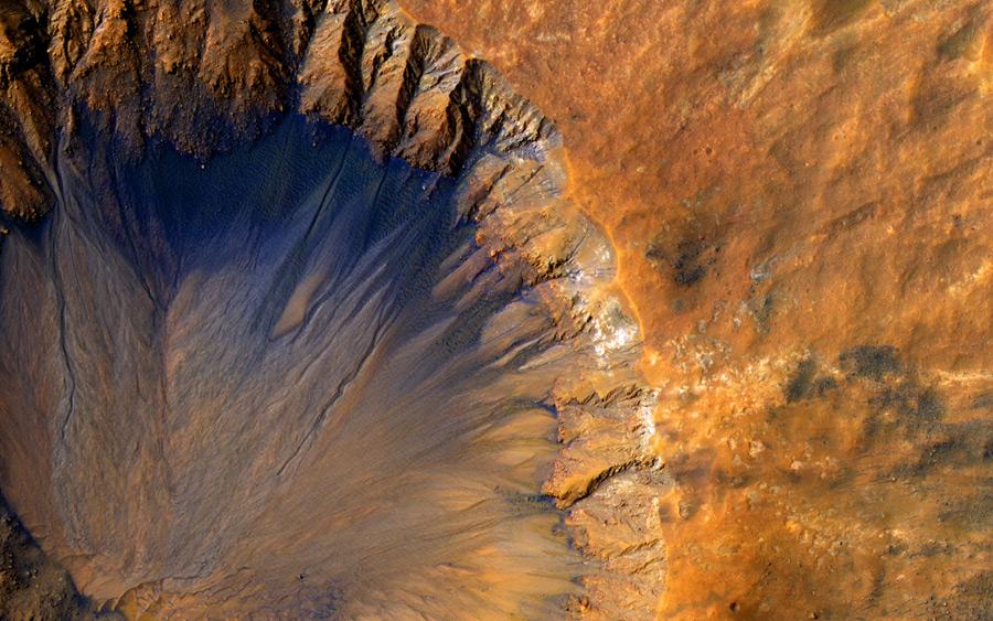 フリー写真 火星の衝突クレーター