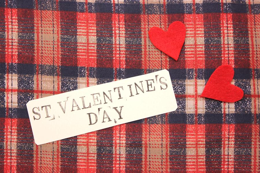 フリー写真 ハートと布のバレンタインデーの背景