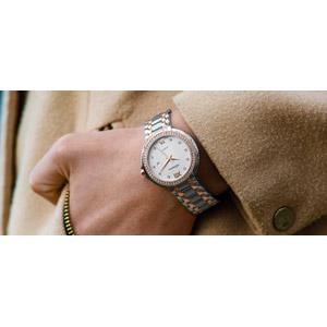 フリー写真, 腕時計, 時計, レディースファッション, 装飾品(アクセサリー), 人体, 手, ダイヤモンド