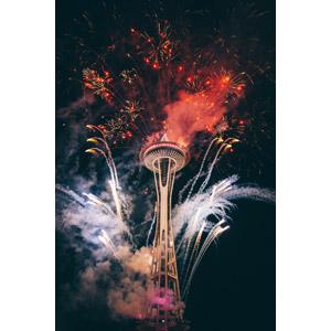 フリー写真, 風景, 建造物, 建築物, 塔(タワー), スペースニードル, 花火, 打ち上げ花火, アメリカの風景, ワシントン州, シアトル, 夜, 夜景
