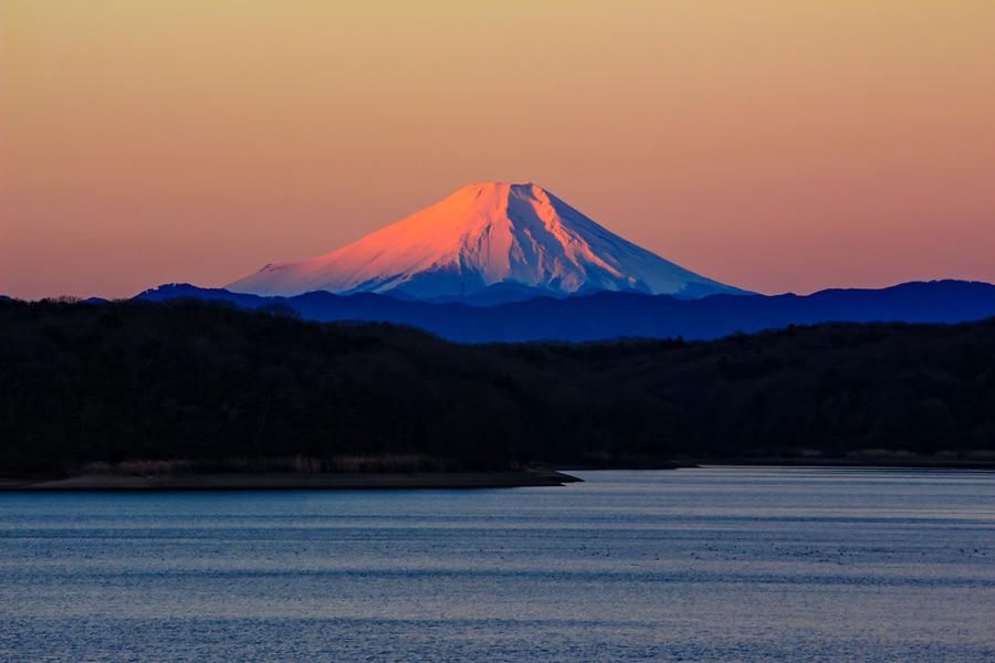 フリー写真 赤富士の風景