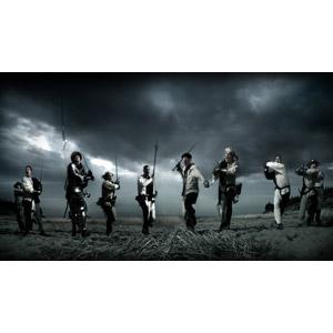 フリー写真, 人物, 集団(グループ), 武器, 刀剣, 剣(ソード), 斧(バトルアックス), 戦争, 暗雲, 防具, 鎧(アーマー), 戦う