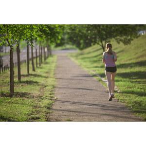 フリー写真, 人物, 女性, 外国人女性, 運動, フィジカルトレーニング, ジョギング, 走る, 後ろ姿, 人と風景