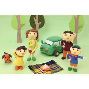 フリー写真, 人形, 家族, 親子, 父親(お父さん), 母親(お母さん), 娘, 息子, ピクニック, レジャー, サンドイッチ, 人と乗り物, 自動車