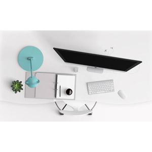 フリーイラスト, ビジネス, オフィスデスク, パソコン(PC), キーボード(PC), マウス, 電気スタンド, イヤホン(イヤフォン), 書類ファイル, コーヒー, コーヒー(珈琲), 観葉植物