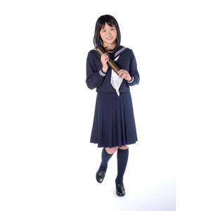 フリー写真, 人物, 少女, アジアの少女, 日本人, 少女(00048), 学生(生徒), 高校生, セーラー服(学生服), 学生服, 卒業式, 卒業証書, 2月, 3月, 白背景
