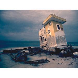 フリー写真, 風景, ビーチ(砂浜), 漂着物, 海, 破壊, 建築物, メキシコの風景