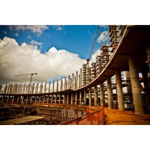 フリー写真, 風景, 建造物, 建築物, 工事, サッカースタジアム, ブラジルの風景, クレーン