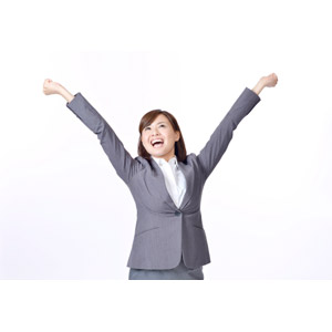 フリー写真, 人物, 女性, アジア人女性, 日本人, 女性(00086), ビジネス, ビジネスウーマン, OL(オフィスレディ), 職業, 仕事, 白背景, 背伸び, 手を上げる