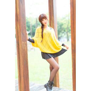 フリー写真, 人物, 女性, アジア人女性, 喬喬(00135), 中国人, セーター, ミニスカート, 三つ編み
