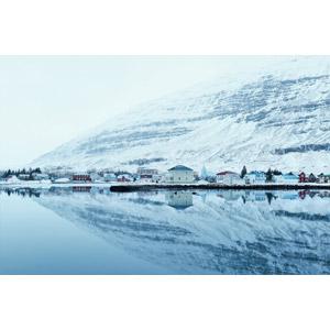 フリー写真, 風景, 建造物, 建築物, 村, 街並み(町並み), フィヨルド, 山, 雪, アイスランドの風景