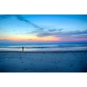 フリー写真, 風景, 朝焼け, ビーチ(砂浜), 海, 早朝, 釣り人, 人と風景, 魚釣り(フィッシング)