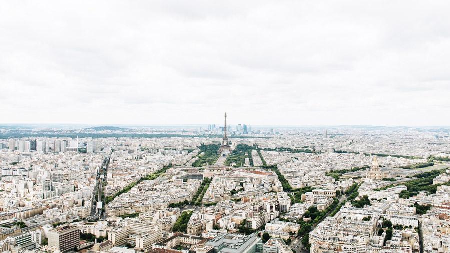 フリー写真 エッフェル塔とパリの都市風景