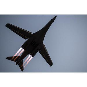 フリー写真, 乗り物, 航空機, 飛行機, 兵器, 爆撃機, B-1 ランサー, アメリカ軍