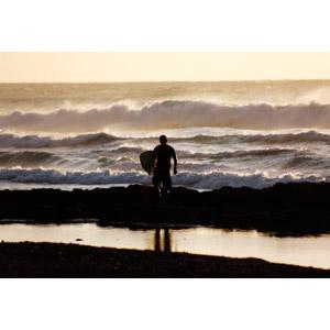 フリー写真, 人物, 男性, 人と風景, サーファー, サーフボード, 人と風景, 海, 波, シルエット(人物)