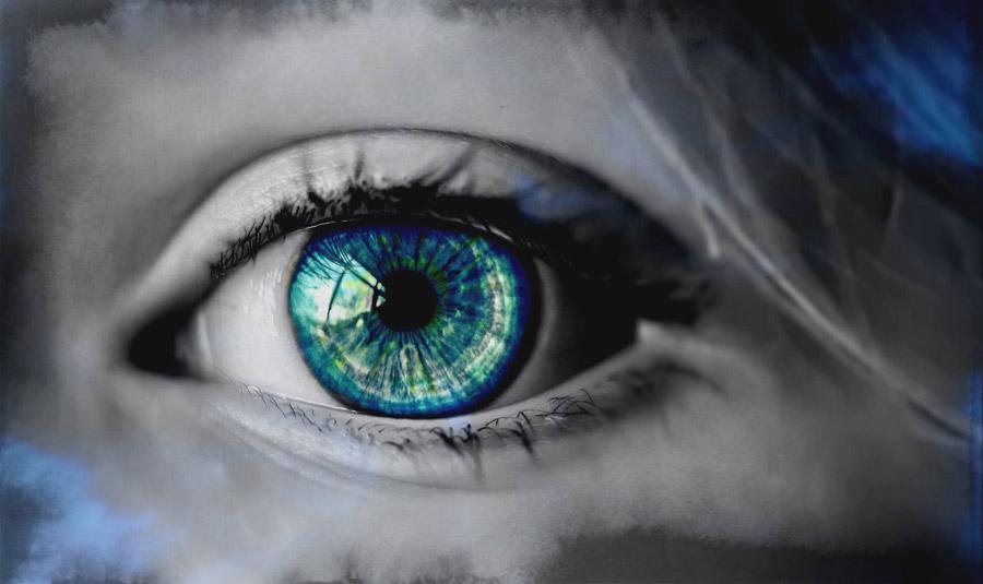 フリー写真 青緑色の目