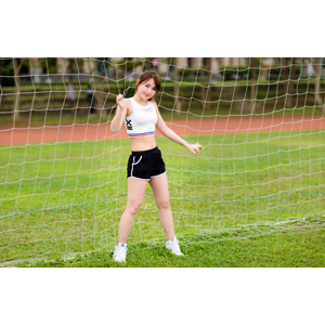 フリー写真, 人物, 女性, アジア人女性, 女性(00176), 中国人, スポーツ, 運動, 網(ネット), ショートパンツ, タンクトップ