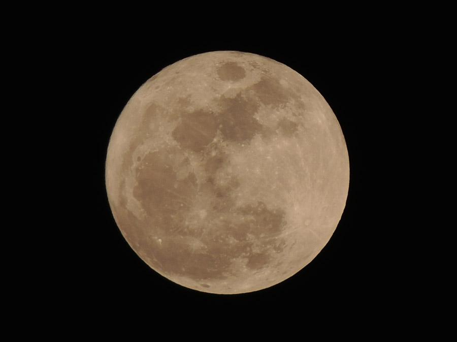 フリー写真 満月の風景