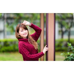 フリー写真, 人物, 女性, アジア人女性, 陳樂樂(00176), 中国人, セーター(ニット), 頭に手を当てる