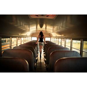 フリー写真, 人物, 女性, 外国人女性, 後ろ姿, 人と乗り物, バス