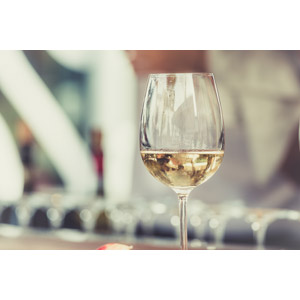 フリー写真, 飲み物(飲料), お酒, ワイン, 白ワイン, 食器, ワイングラス