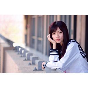 フリー写真, 人物, 女性, アジア人女性, 少女, アジアの少女, 中国人, 可艾(00184), 高校生, セーラー服(学生服), 学生服, 学生(生徒), 頬杖をつく, 顎に手を当てる