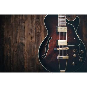 フリー写真, 音楽, 楽器, 弦楽器, ギター, エレキギター, 木目, 木の壁
