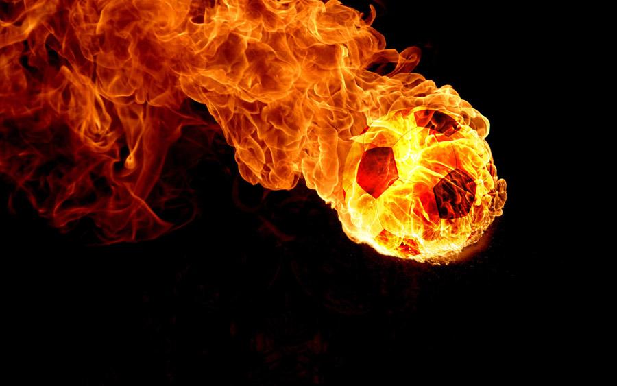 フリーイラスト 燃え盛るサッカーボール