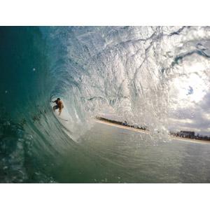 フリー写真, スポーツ, ウォータースポーツ, サーフィン, サーファー, 人と風景, 海, 波, 波のトンネル(チューブ)