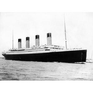 フリー写真, 乗り物, 船, 客船, タイタニック号, クルーズ客船, モノクロ