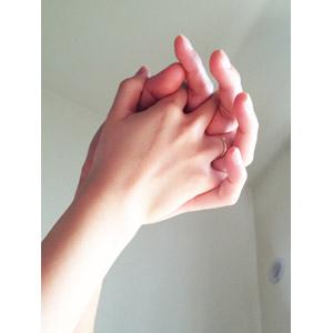 フリー写真, 人体, 手, カップル, 恋人, 夫婦, 手をつなぐ