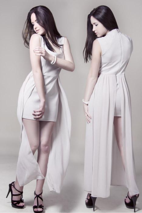フリー写真 正面と背後のドレス姿のファッションモデル