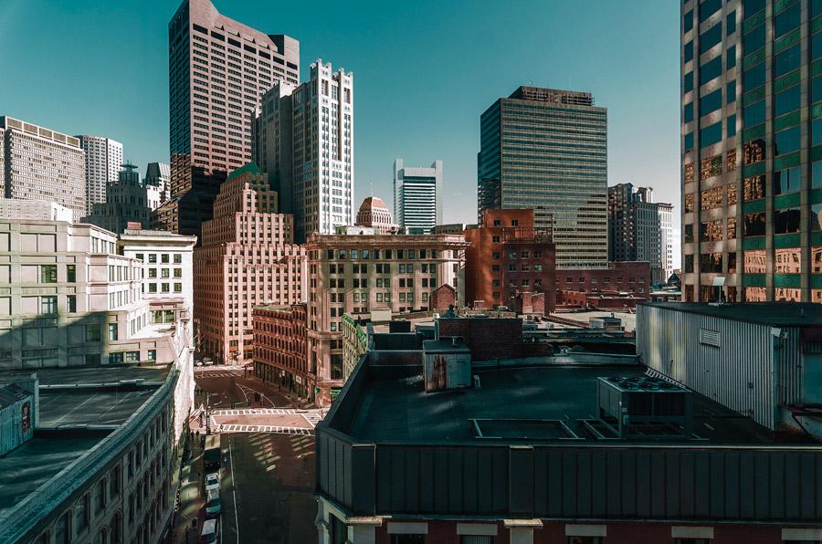 フリー写真 高層ビルの建ち並ぶボストンの街並み