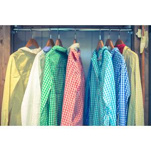 フリー写真, 衣服(衣類), シャツ, 洋服屋(洋服店), お店(店舗), ハンガー, レディースファッション