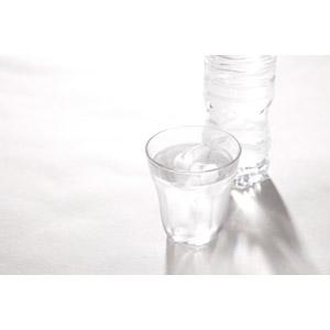 フリー写真, 飲み物(飲料), 水, 飲料水, コップ, ペットボトル