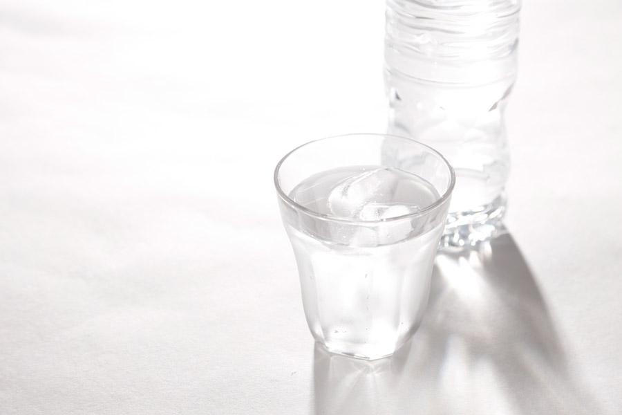 フリー写真 氷の入った飲み水