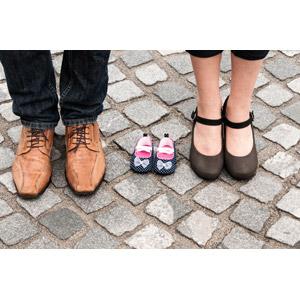 フリー写真, 人体, 足, カップル, 夫婦, 家族, 父親(お父さん), 母親(お母さん), 靴(シューズ)