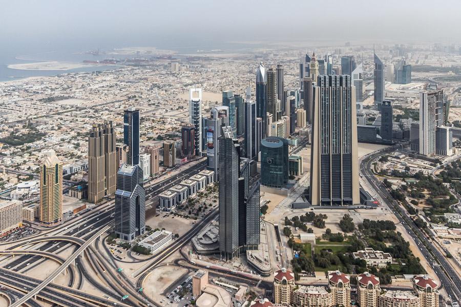 フリー写真 超高層ビルの建ち並ぶドバイの風景