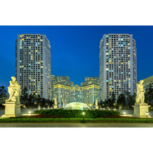 フリー写真, 風景, 建造物, 建築物, 高層ビル, 夜景, 夜, 噴水, 彫像, ベトナムの風景, ハノイ