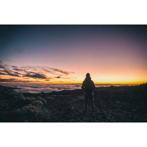 フリー写真, 風景, 雲海, 雲, 朝, 朝焼け, 人と風景, 後ろ姿, 眺める