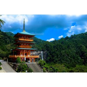 フリー写真, 風景, 建造物, 建築物, 寺院, お寺(仏閣), 青岸渡寺, 滝, 那智滝, 和歌山県, 日本の風景, 世界遺産