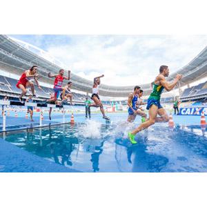フリー写真, スポーツ, 陸上競技, 3000メートル障害, 走る, 男性, 集団(グループ), 陸上競技場, 水しぶき