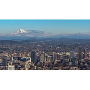 フリー写真, 風景, 建造物, 建築物, 高層ビル, 都市, 街並み(町並み), 山, フッド山, アメリカの風景, オレゴン州