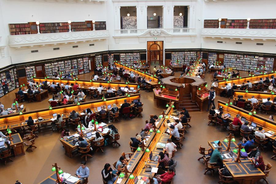 フリー写真 ビクトリア州立図書館のラ・トローブ閲覧室