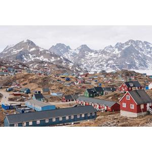 フリー写真, 風景, 建造物, 建築物, 街(町), 街並み(町並み), 山, グリーンランド, デンマークの風景