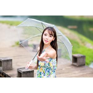 フリー写真, 人物, 女性, アジア人女性, 中国人, 女性(00173), 傘, 手を伸ばす