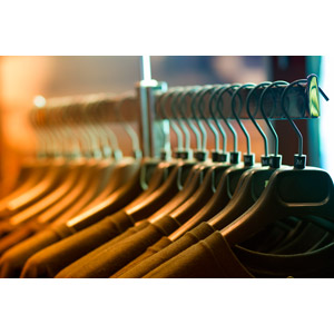 フリー写真, 衣服(衣類), 洋服屋(洋服店), お店(店舗), ハンガー