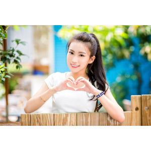フリー写真, 人物, 女性, アジア人女性, 楚珊(00053), 中国人, ポニーテール, 手でハートを作る, ハート